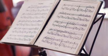 Er det godt for dig at lære at spille et musikinstrument?