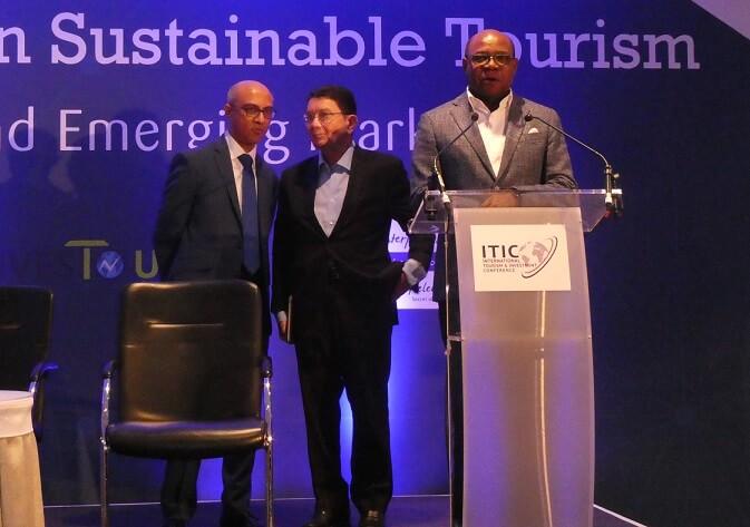 Jamajský ministr cestovního ruchu Bartlett požaduje investice nad rámec hotelových pokojů