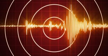 Silné zemětřesení skály Tonga, žádné varování před vlnou tsunami vydáno