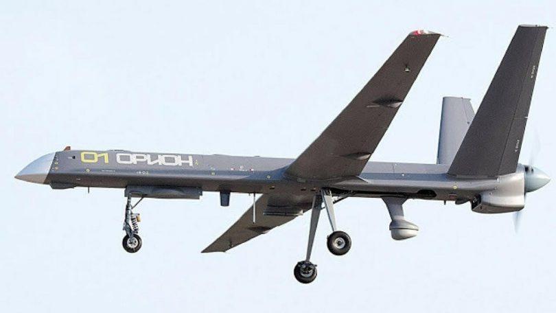 Combat drone kaatuu kerrostalon vieressä Venäjällä
