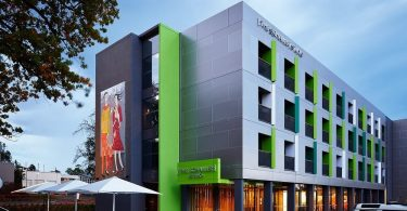 Accor strikes nedeal in Victoria's gold rush boom town