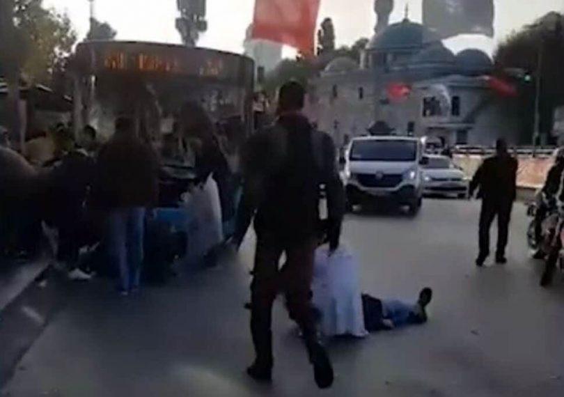 Při útoku teroristických autobusů v Istanbulu bylo zraněno XNUMX lidí