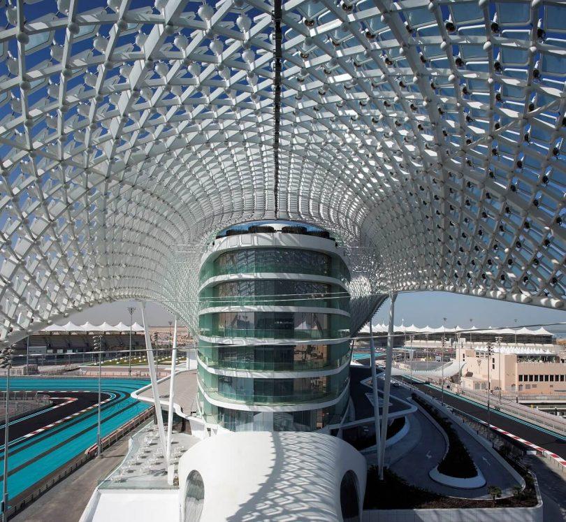ظهرت العلامة التجارية لفندق W التابع لماريوت في عاصمة الإمارات العربية المتحدة مع فندق W Abu Dhabi