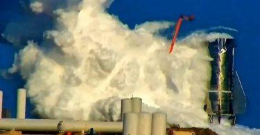 Výbuch vesmírné lodi SpaceX brzdí vesmírnou turistiku