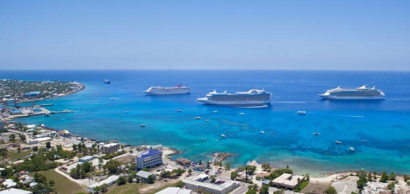 Cayman Inselen: Leeschtung weist en nohaltegen Tourismuswuesstum un