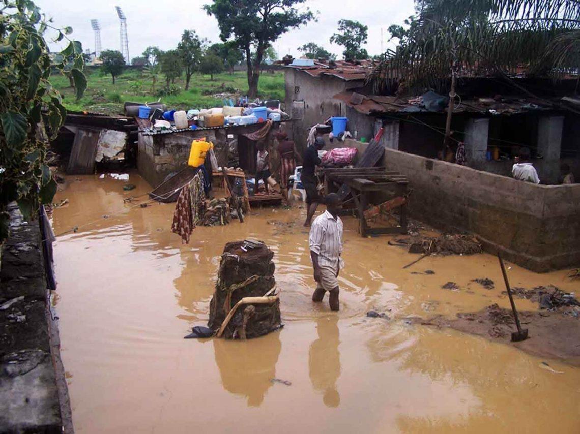 コンゴ共和国:洪水が50Kを押しのけると宣言された自然災害の状態
