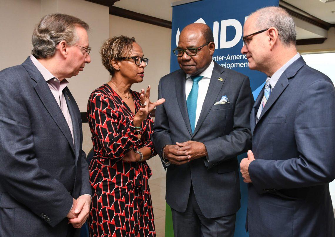 Bartlett propõe uma estratégia de comunicação de crise turística para o Caribe ... Global Resilience Center to Formulate
