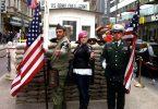 برلین بازیگران Checkpoint Charlie را که باعث آزار و اذیت گردشگران می شدند ممنوع کرد