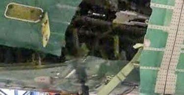 बोइंग का कहना है कि यह सिर्फ 'एक मुद्दा' था, लेकिन रिपोर्ट में कहा गया है कि 777X परीक्षण 'बाएं विमान की त्वचा फटी हुई है'