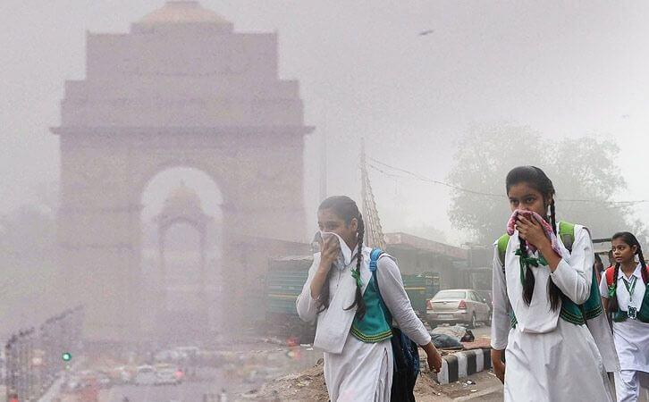 """Úředník města Dillí: Hlavní město Indie se změnilo v """"plynovou komoru"""""""