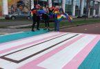 Quare? Netherlands 'prius' transgender crosswalk, panes populo scalpendi capita sua