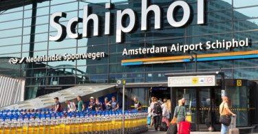 Varsel om kapring utløser evakuering av passasjerer på Schiphol flyplass