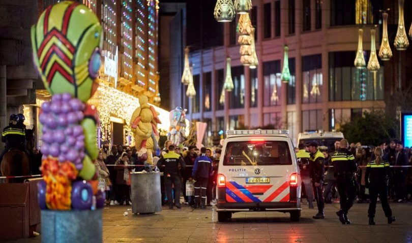 Knife attack during Black Friday Shopping in The Hague