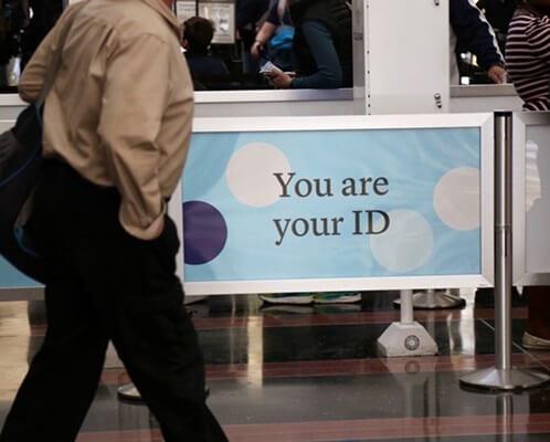 El DHS quiere escaneos de reconocimiento facial obligatorios para todos los estadounidenses en todos los aeropuertos de EE. UU.