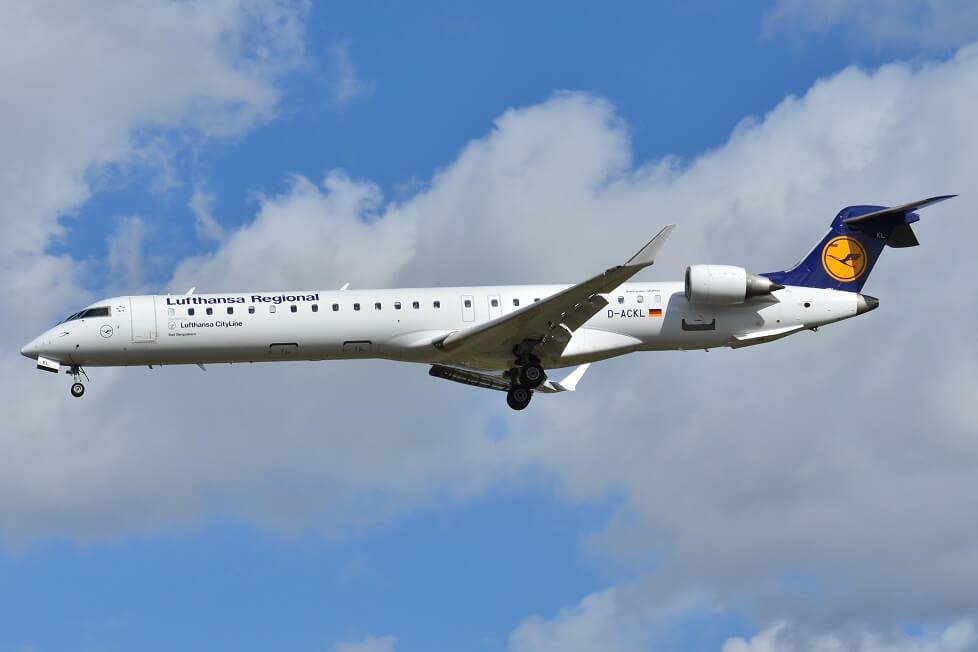 Lufthansa voa de Munique para Paris-Orly pela primeira vez