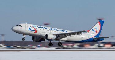 Ural Airlines-jetfly med 149 på vildsvin nødlander i Rusland