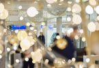 Սուրբ Christmasնունդ Ֆրանկֆուրտի օդանավակայանում. Նվեր քարտեր, գնումներ, ճաշեր և շատ ավելին