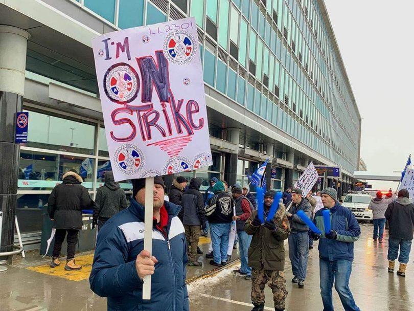 کارگران سوئیسپورت در فرودگاه های مونترال اعتصاب می کنند
