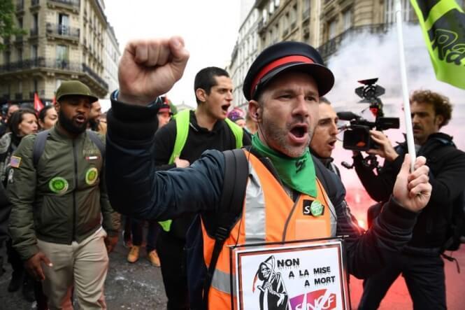 Iveանգվածային գործադուլը կխաթարի գնացքների, ավտոբուսների և ավիաընկերությունների ծառայությունները Ֆրանսիայում