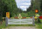 Artista batek Errusia-Finlandia muga ezartzen du, legez kanpokoak salatzen ditu hura zeharkatzeko