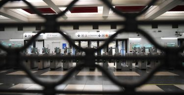 Strike paralyzes transportation across France, shuts down tourist attractions