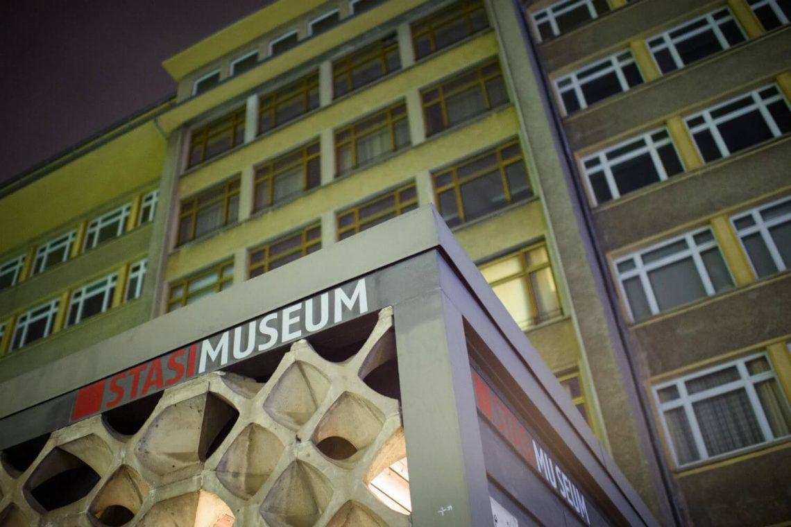 Ladrões atacaram o museu Stasi de Berlim poucos dias após o roubo de joias em Dresden
