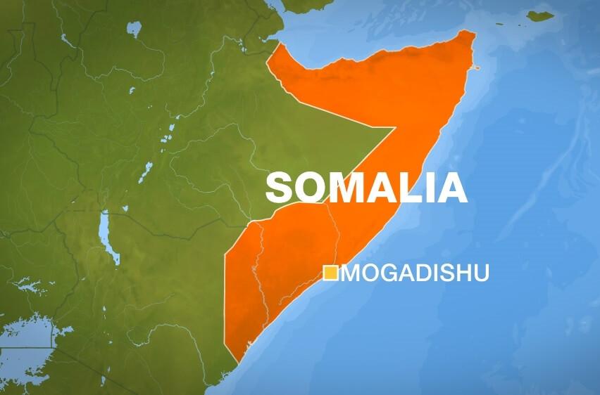 Tiro gogorrak eta hildakoak: terrorista armatuek luxuzko hotela hartu dute Mogadiscon