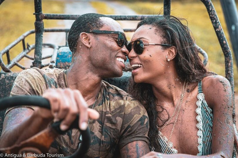 زوج سوپرمدل آفیا بنت و لوید دیکنسون در ماه عسل عاشقانه در آنتیگوا و باربودا