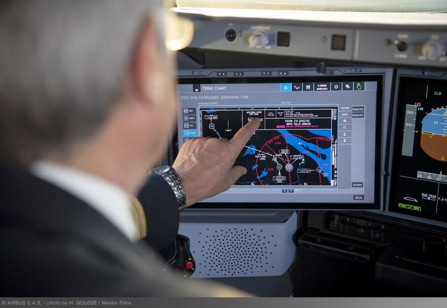 Airbus A350 com display touchscreen começa a entregar