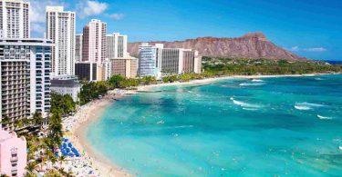 Kolik dalších milionů za poslední měsíc vydělaly hotely na Havaji?