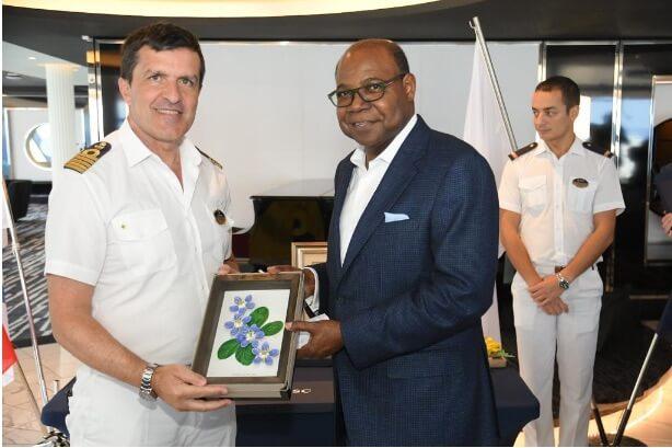 ジャマイカ大臣は、オーチョリオスで50,000万人のクルーズ船の乗客を見込んでいます
