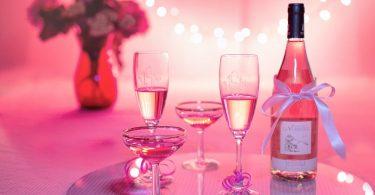 19 فكرة غير عادية لهدايا العيد لكل محبي النبيذ