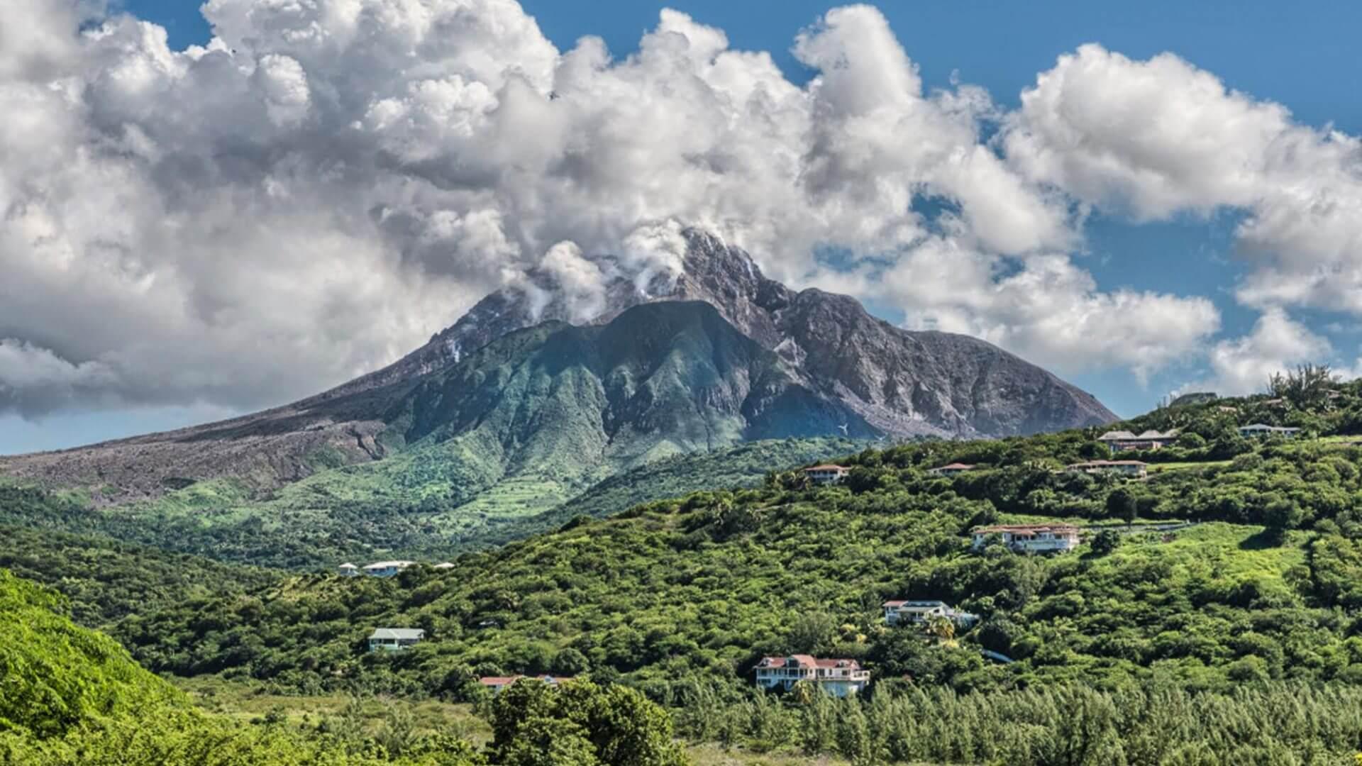 Montserrat: 20,000 tourist arrivals first time in active volcano era