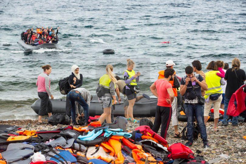 Grčka se nada da će 'plutajuća barijera' migrante izbaciti