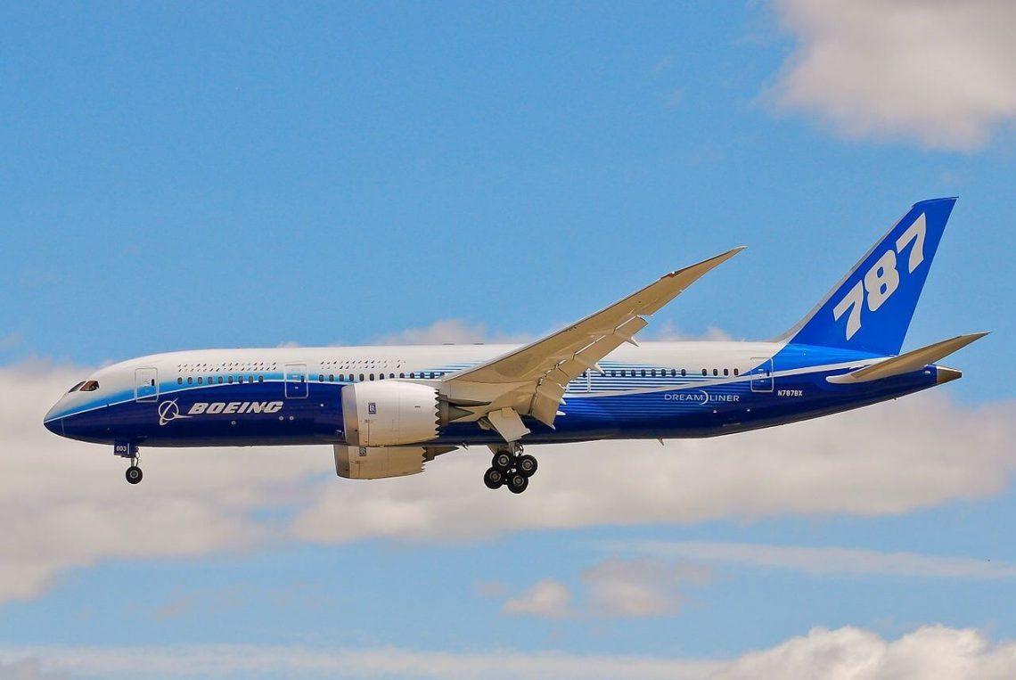Grup Penyewaan Pesawat Udara China nampa jet Dreamliner Boeing 787 sing pertama