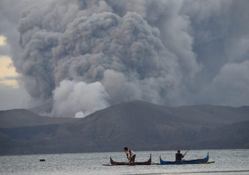 """Filipíny prohlašují ostrov Taal Volcano za """"zemi nikoho"""""""