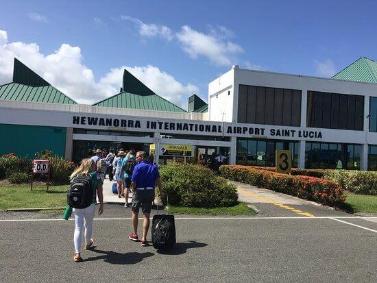 Туризъм в Сейнт Лусия: 400 40 пристигащи престоя в XNUMX-та година от независимостта