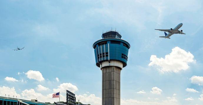 اداره هواپیمایی فدرال به کنترل کننده های بیشتری در ترافیک هوایی نیاز دارد