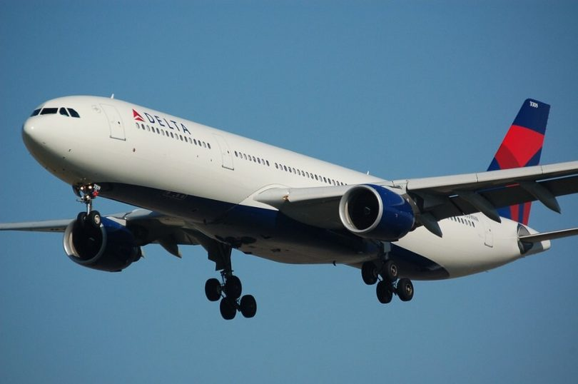 Seolann Delta eitilt neamhstop ó JFK Nua Eabhrac go Grand Cayman