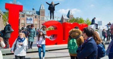 Amsterdam-besøgende ramt med ny 10% turistafgift