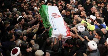Olona 40 no maty, 213 naratra tamin'ny stampede fandevenana an'i Soleimani ao Iran