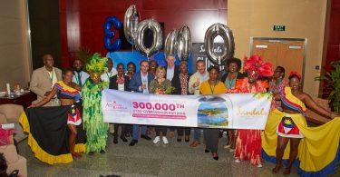 آنتیگوا و باربودا در سال 300,000 به 2019مین نقطه عطف بازدید کنندگان می رسد