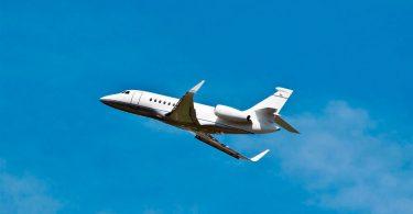 FAA पायलटों के लिए सुपर बाउल LIV उड़ान आवश्यकताओं को जारी करता है