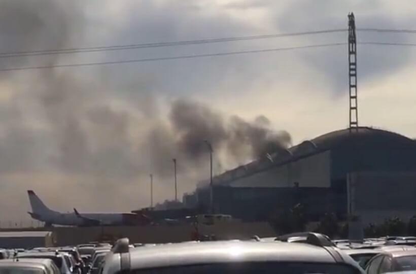 Vôos desviados, passageiros fogem enquanto o aeroporto espanhol de Alicante pega fogo