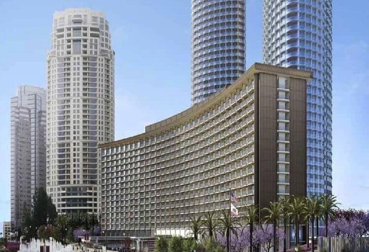 फेयरमोंट सेंचुरी प्लाजा के प्रमुख वरिष्ठ होटल अधिकारी हैं