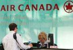 ग्राहक सेवा एजेंट एयर कनाडा के साथ सौदा करते हैं
