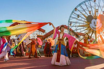 Månens nytårsbegivenhed: Musåret kommer til Disneyland Resort