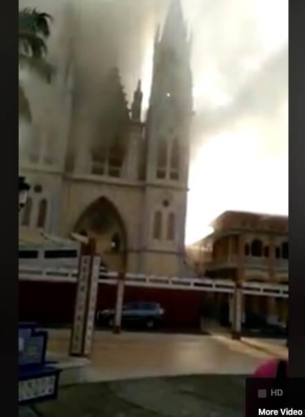 Maamerkki katedraali paloi Malabossa, Päiväntasaajan Guineassa