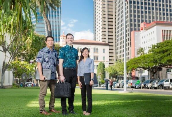 Znáte někoho, kdo chce studovat cestovní ruch na Havaji?