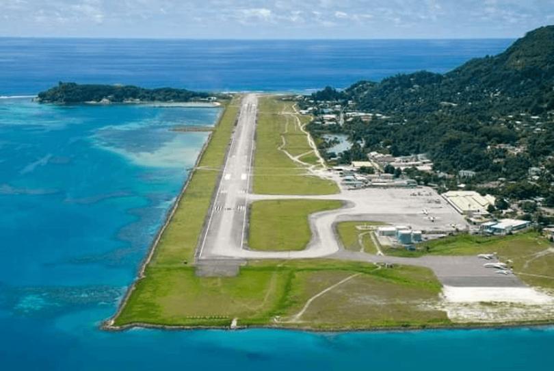 एक ऐतिहासिक पोस्ट से सेशेल्स अंतर्राष्ट्रीय हवाई अड्डा